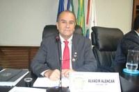 Vereador Alencar requer informações oficiais do executivo sobre precariedade de pista de skate